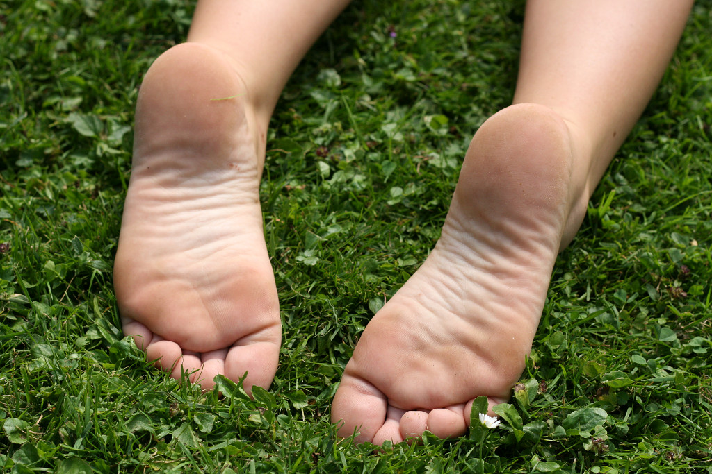 Park Feet 1  Cute Teen Feet-9087
